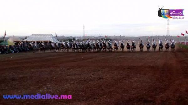 """بالفيديو … موسم الفروسية """" التبوريدة """" بنواحي المحمدية"""