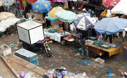 النقابة الوطنية للتجار  بالمحمدية تطالب  السلطات بتحرير الملك العمومي ومراقبة المواد المغشوشة للباعة الجائلين.