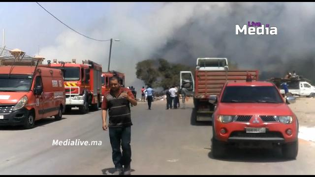 حريق ضخم ومهول بنواحي المحمدية .. ورجال الاطفاء يسارعون لاخماده