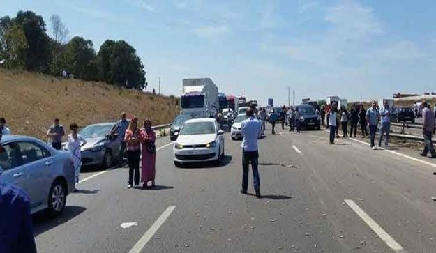 اعتقال  مكسر زجاج أربع سيارات بالطريق السيار بالمحمدية