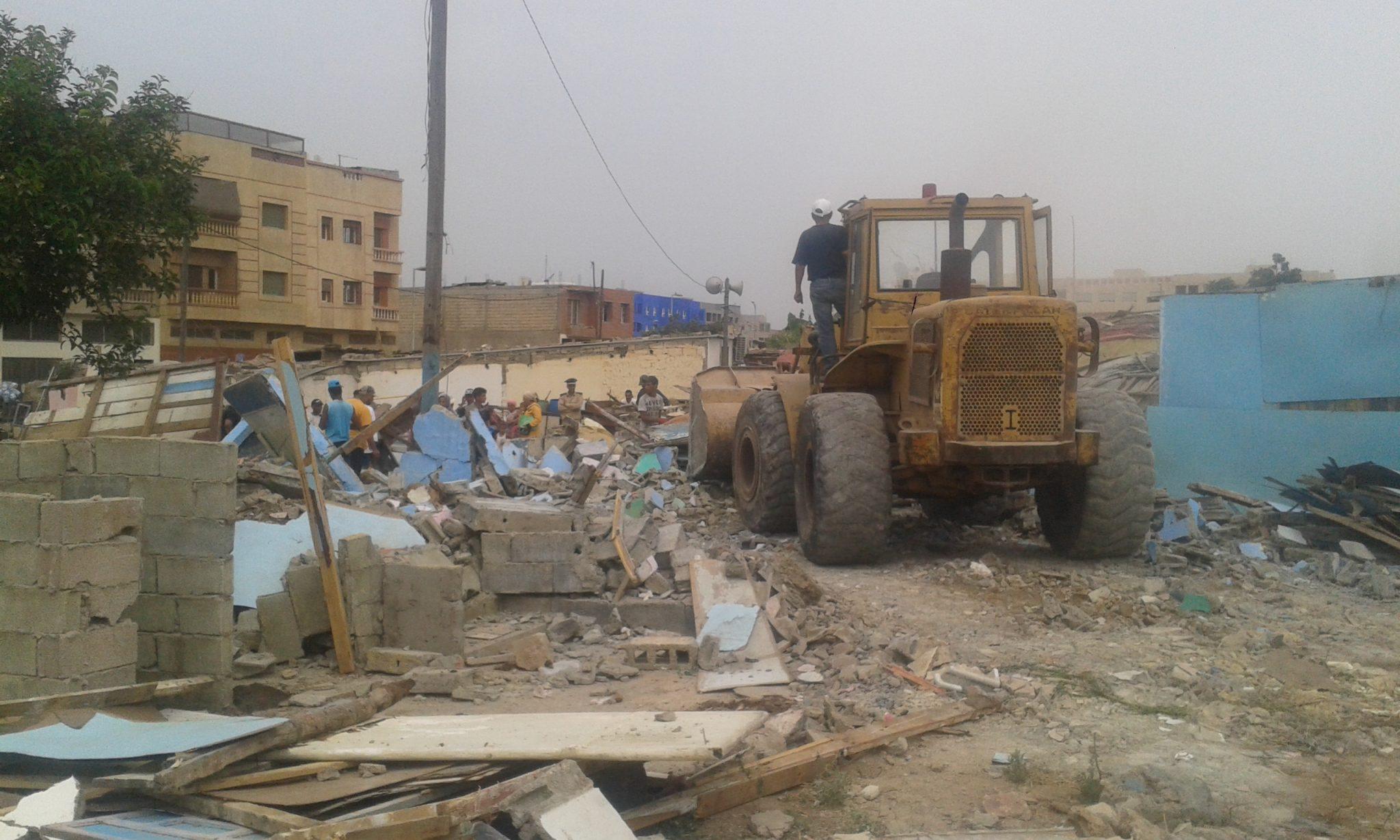 جرافة تدك  حوالي 60 منزلا صفيحيا بحي المسيرة بالمحمدية