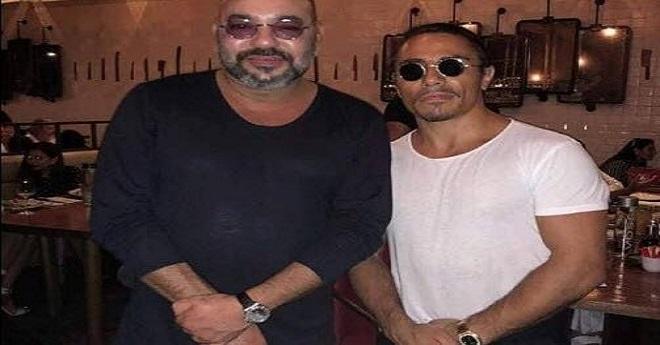 صورة للملك مع طباخ في دبي تلهب مواقع التواصل الاجتماعي