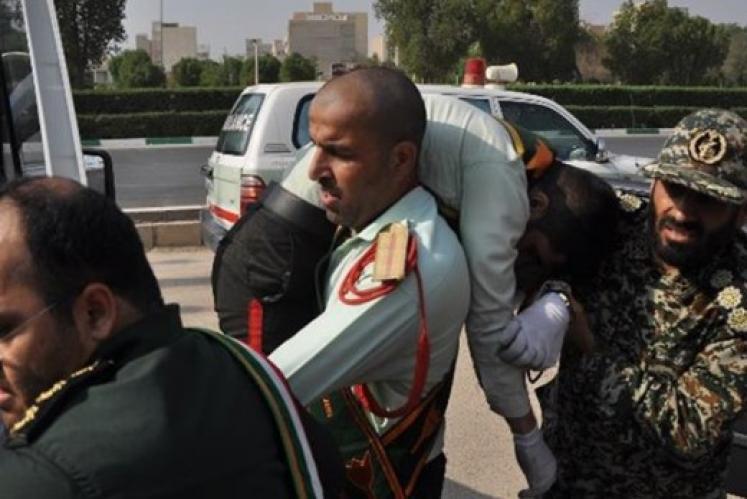أزيد من 40 بين قتيل وجريح  في هجوم على عرض عسكري بايران