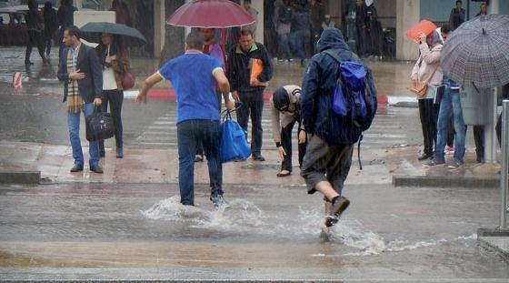 تساقطات وأمطار قوية يومي السبت والأحد بالمحمدية