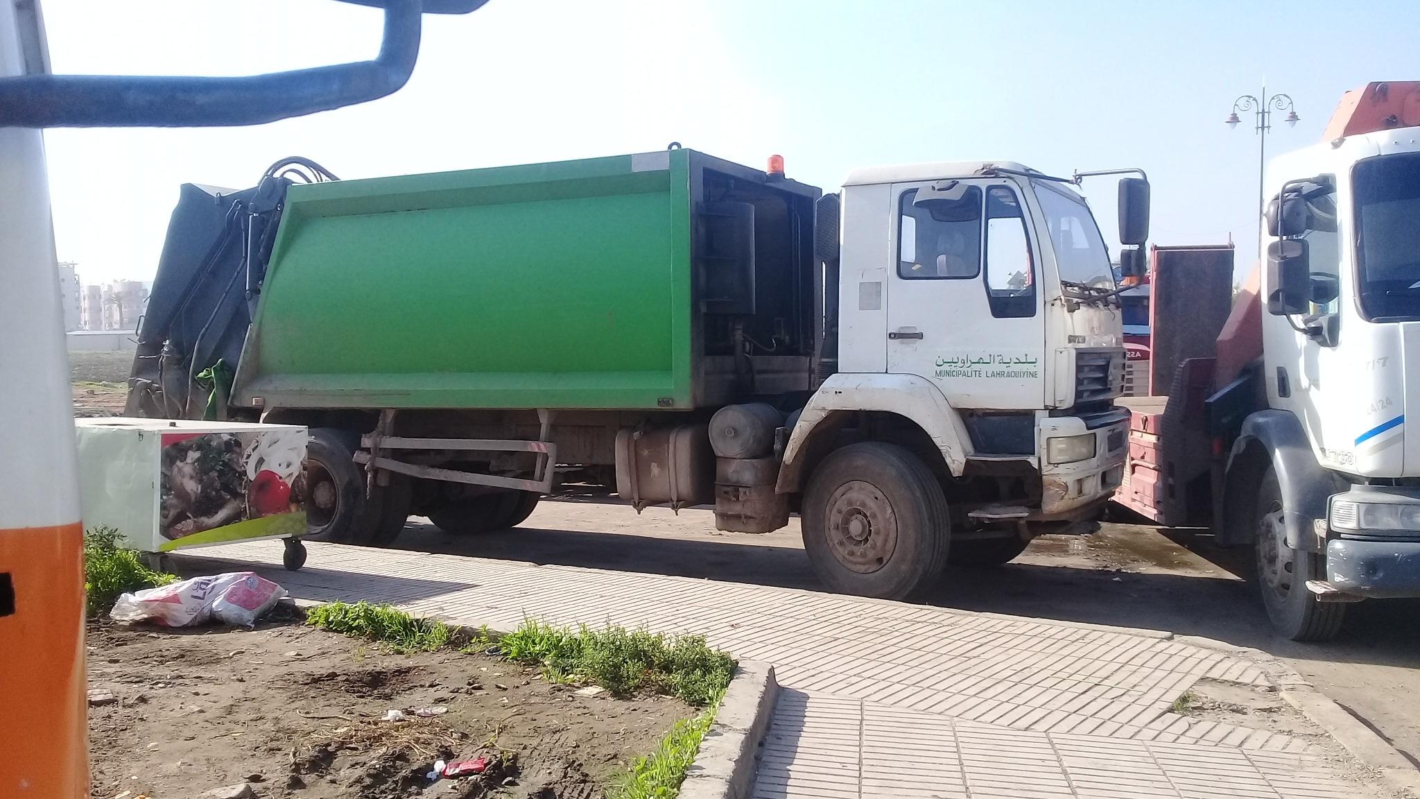 ماهو السر وراء تواجد هذه الشاحنة بعين حرودة ؟