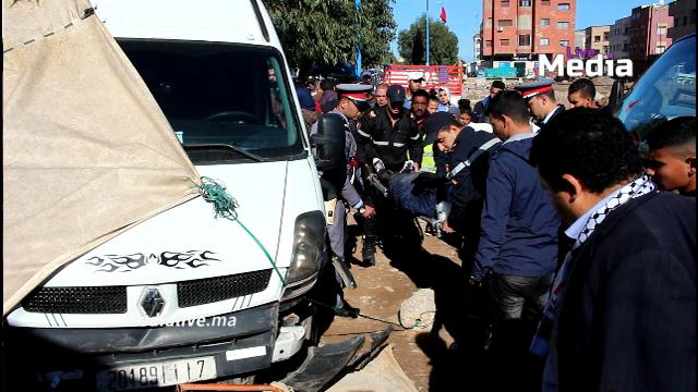 """عـاجل .. """" فاركونيت """" تدهس تلميدتين ونجاة العشرات من الموت باعجوبة بنواحي المحمدية"""
