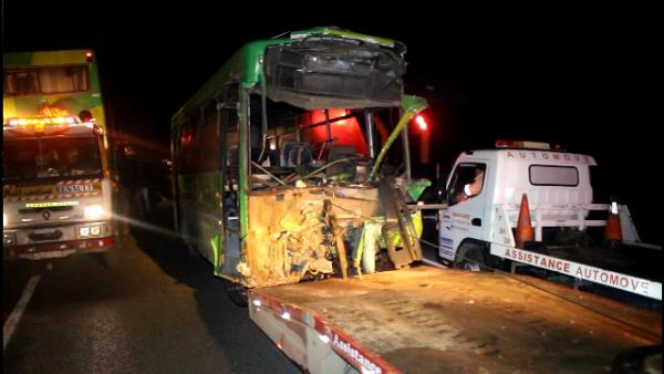 بالصور : الحصيلة وتفاصيل حادثة السير بين حافلتين وسيارة نواحي بوزنيقة