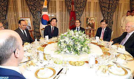 جلالة الملك يقيم مأدبة عشاء على شرف الوزير الاول بكوريا الجنوبية