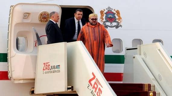 جلالة الملك يحل بمطار ابن بطوطة و يتوجه مباشرة إلى المضيق