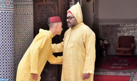 أمير المؤمنين يؤدي صلاة عيد الفطر ويتقبل التهاني بالمناسبة السعيدة