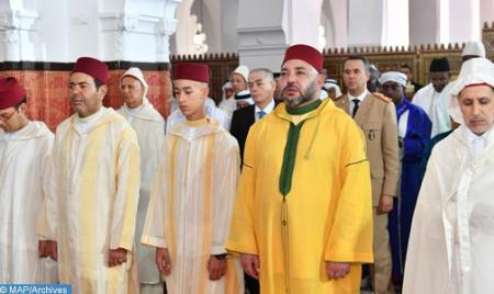 أمير المؤمنين يؤدي صلاة عيد الأضحى المبارك بمسجد الحسن الثاني بتطوان