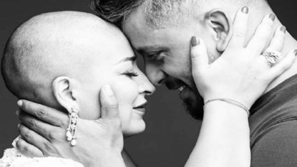 المغني  حاتم عمور يعلن خبر إصابة زوجته بمرض السرطان