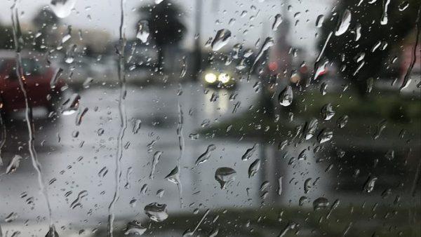 أمطار قوية بالعديد من مناطق المملكة يومي الأحد والإثنين