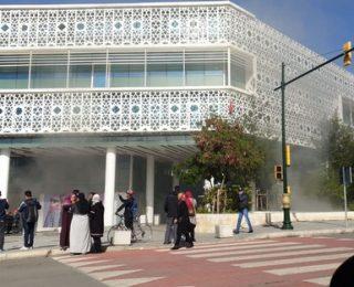 """الرباط… فيديو: بعد افتتاحه منذ حوالي أسبوع، النيران تندلع بمركز """"الرباط سانتر"""""""