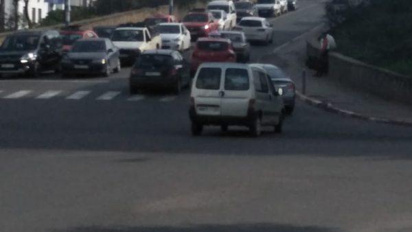 البرنوصي …سائقون ومواطنون يختنقون بالطرقات والقناطر