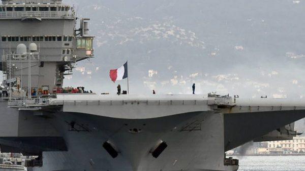 حاملة مروحيات فرنسية ترسو بميناء الدار البيضاء