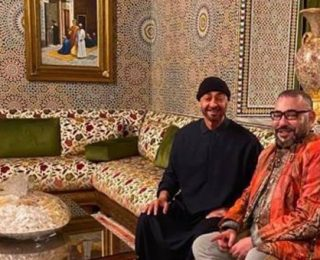 الملك  يزور ولي العهد الإماراتي  بمقر إقامته بالمغرب بعد عودته من مؤتمر برلين