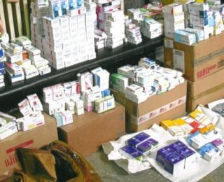 فاس:  اعتقال ممرض وممثل تجاري لشركة تورطا في اختلاس  أدوية ومواد طبية عمومية