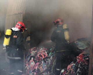 الدارالبيضاء ..حريق مهول بسوق عشوائي