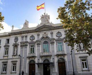 المحكمة العليا الإسبانية توجه صفعة للبوليساريو بحُكمٍ يمنع رفع أعلام التنظيمات الإنفصالية وغير الرسمية