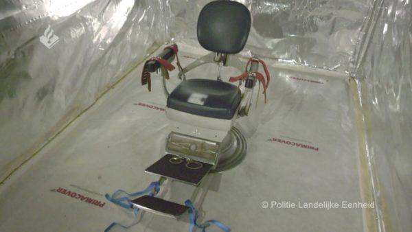 مفزع ورهيب  …بالفيديو :  غرفة تعذيب داخل شاحنة  في ملكية عصابة   عصابة