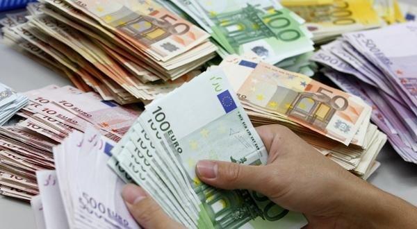 طنجة …حجز الملايين من العملات الأجنبية  داخل شاحنة مقطورة