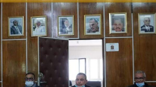 المحمدية …نزع صورة الرئيسة السابقة  لجماعة المحمدية من قاعة الإجتماع يثير زوبعة داخل المجلس