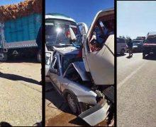 بالفيديو …سيارة تحشر بين شاحنة وحافلة للنقل العمومي نواحي بن جرير ، وسائقها ينقل في حالة خطيرة