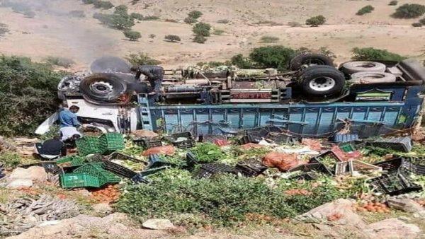 تزنيت …انقلاب شاحنة رأسا على عقب كانت محملة بأنواع من الخضر