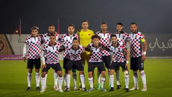 المحمدية…لاعبوا فريق شباب المحمدية  يطالبون بمستحقاتهم المالية  وهشام أيت منا يدخل على الخط